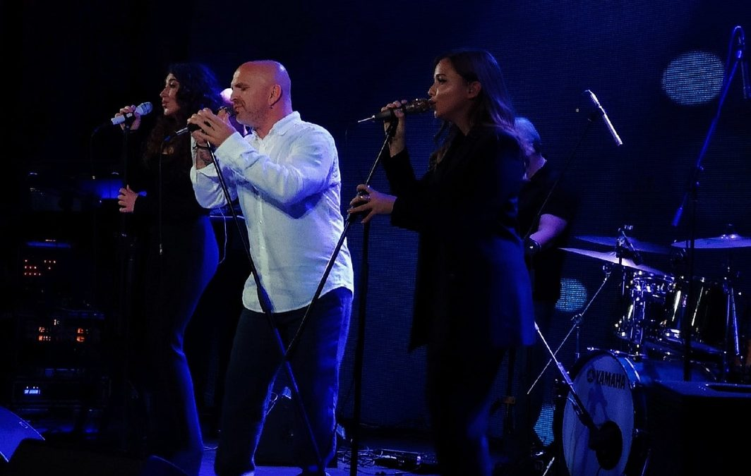 15 октября в Московском ресторане «Backstage» состоится сольный концерт Александра Шоуа и Непары